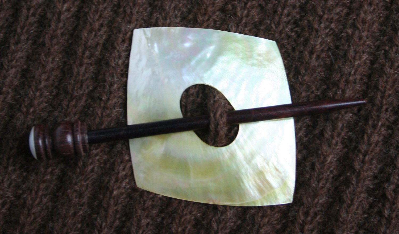 Shawl Pin Shell Square